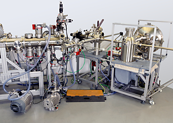 The combined HiPP, ARPES Lab and DA30-L System at the Imperial College of London  | © Scienta Omicron