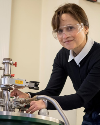 Amalia Patanè is Professor of Physics and Director of Research at the School of Physics and Astronomy at the University of Nottingham | © Scienta Omicron