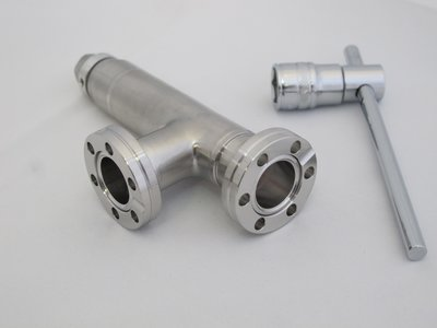 All Metal Valve DN16CF | © Scienta Omicron